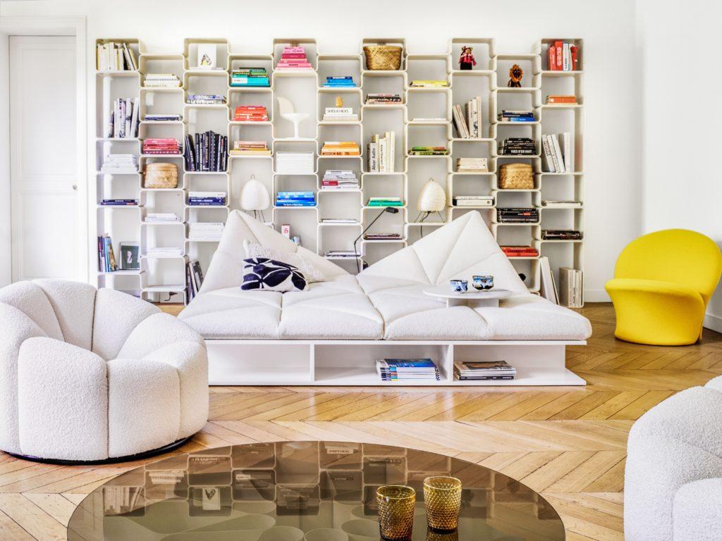 Une bibliothèque entière composé de cubes Elysées de Pierre Paulin, pour Magis