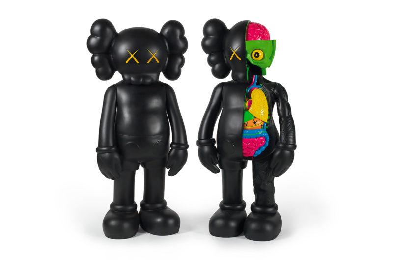 figurine kaws